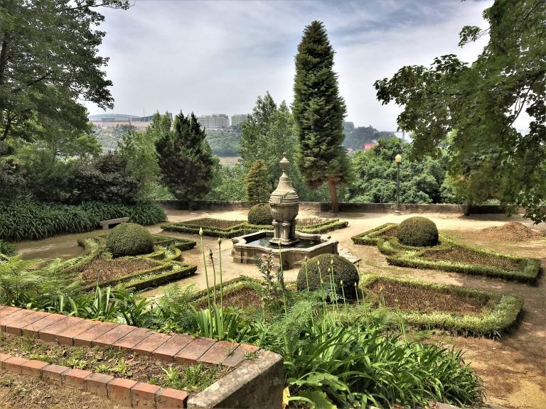 Crystal Palace Garden Porto